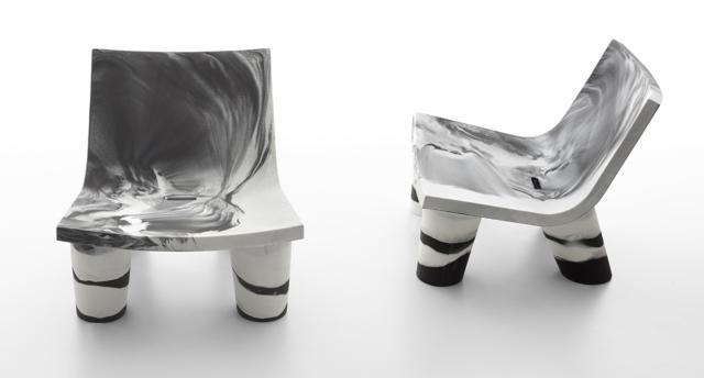 Low Lita Anniversary di Slide, design Paola Navone, è la poltrona in polietilene con la tecnologia dello stampaggio rotazionale oggi nella nuova versione nei toni del bianco e del nero. Misura L 78 x P 70 x H 80 cm. www.slidedesign.it