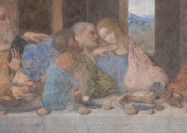 Leonardo ha dipinto l'Ultima Cena su una parete nel Refettorio del convento di Santa Maria delle Grazie per volere di Ludovico il Moro, in un arco di tempo che va dal 1494 al 1497. Nel corso dei secoli si sono susseguiti molti restauri e nel 1999, dopo oltre vent'anni di lavoro, si è concluso l'ultimo intervento conservativo che, grazie alla rimozione di tante ridipinture, ha riportato in luce quanto restava delle stesure originali.