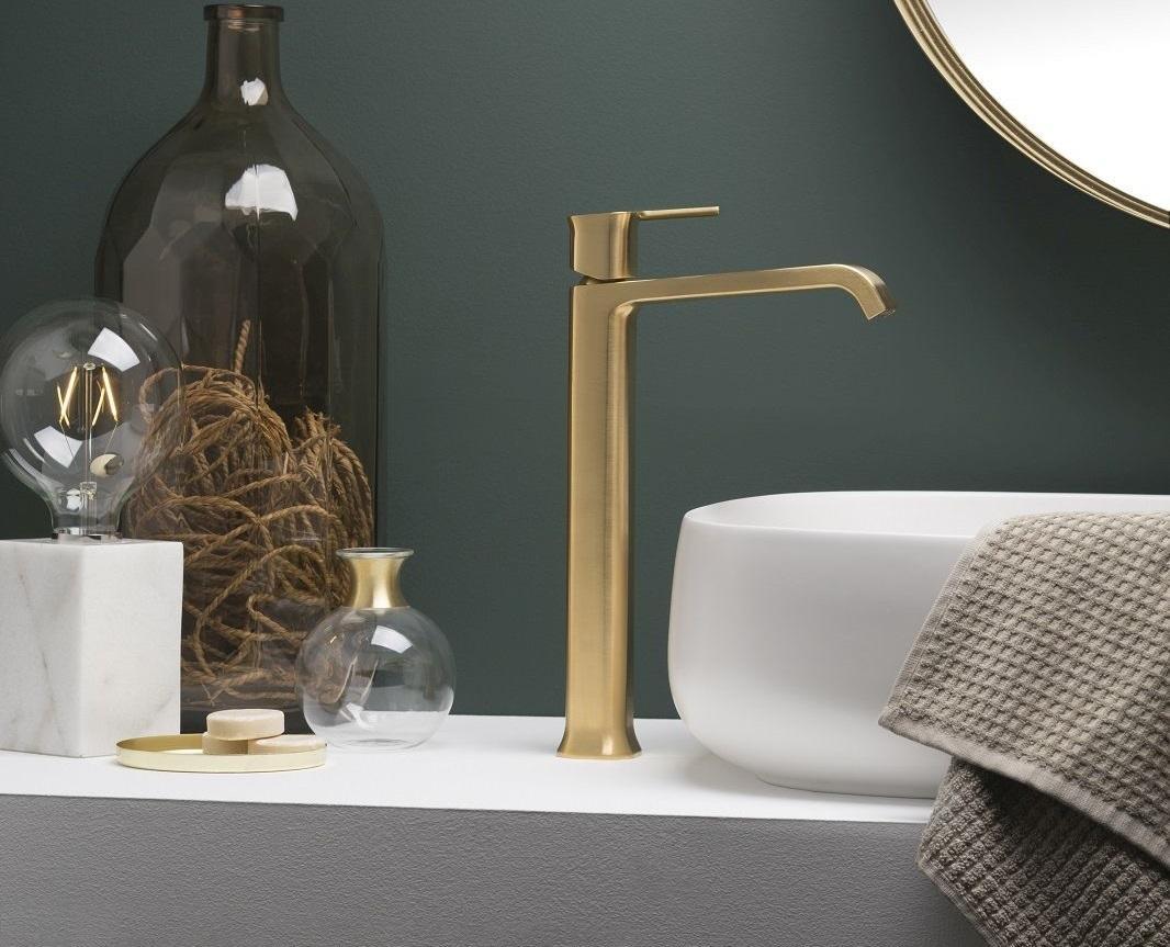 Rubinetteria Bagno Tradizionale : Finiture e forme glamour per la rubinetteria al salone del bagno