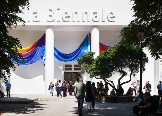 GILLIAM, Sam_Photo by Francesco Galli_Courtesy of La Biennale di Venezia