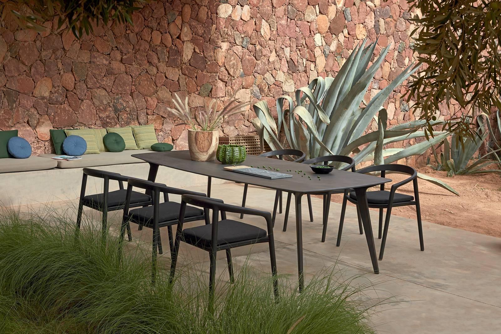 Tavolo In Teak Usato : I nuovi tavoli con finiture sempre un po speciali. dal marmo alle