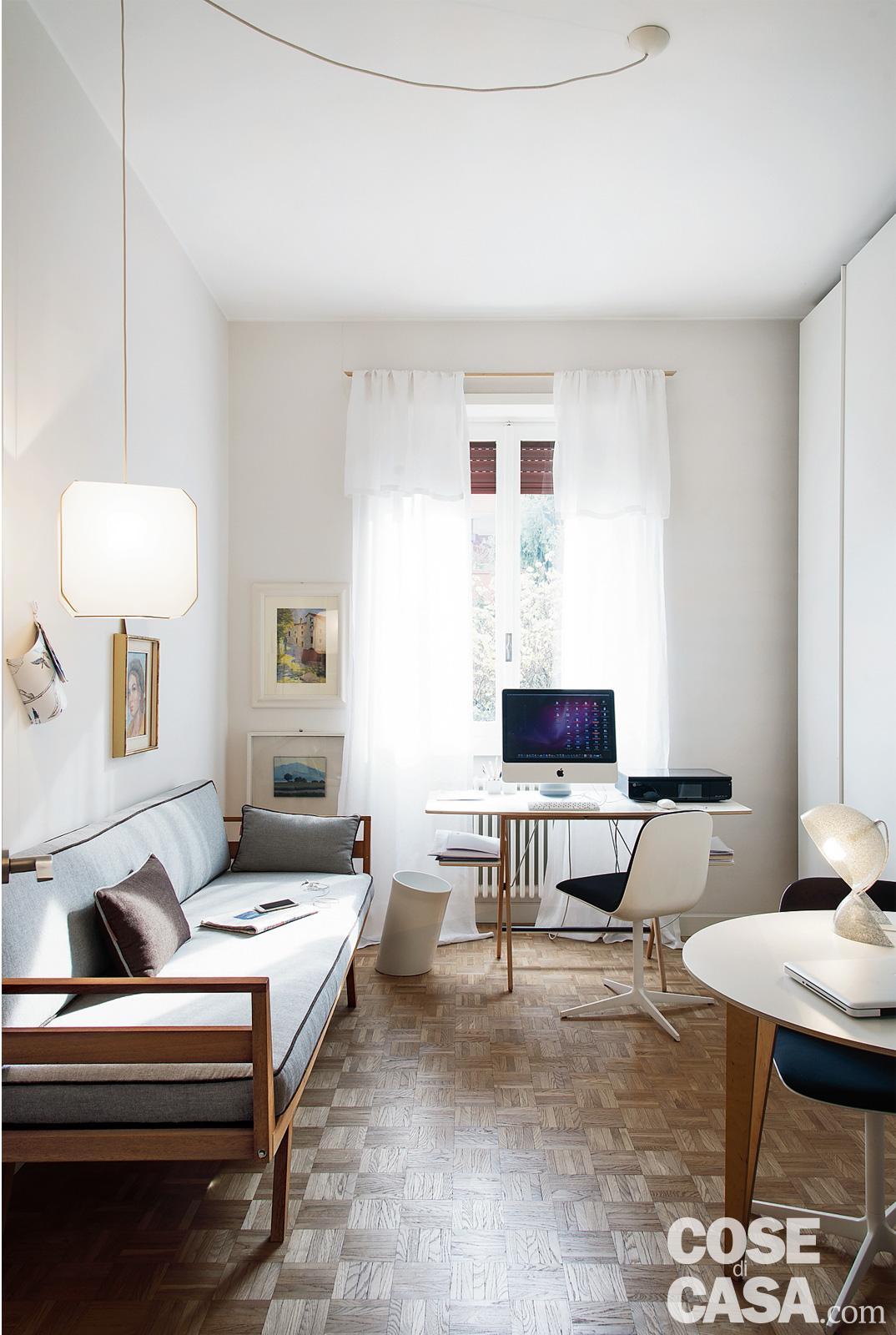 89 mq arredati con pezzi iconici del design cose di casa for Case eleganti moderne