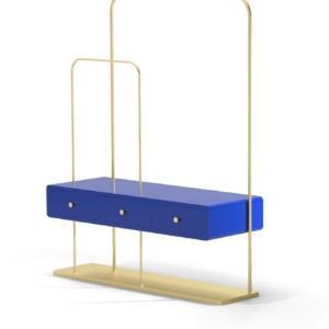 Lea Chan Hanger di VGnewtrend, design Lea Chan, è il nuovo appendiabiti raffinato e pratico nello stesso tempo: è formato da una sottile struttura in metallo con una preziosa finitura oro che accoglie tre cassetti colorati. Misura L 106 x P 28 x H 140 cm. www.vgnewtrend.it