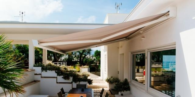 Tende da sole: più bello lo spazio esterno, più fresca la casa