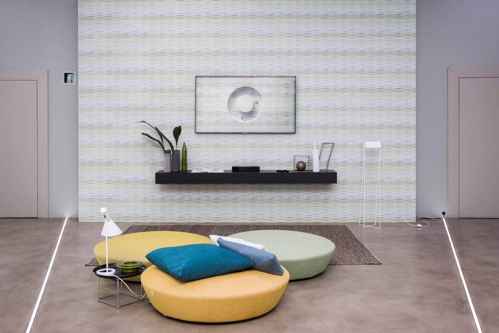 La tv come la parete il total look con la tappezzeria for Tappezzeria da parete