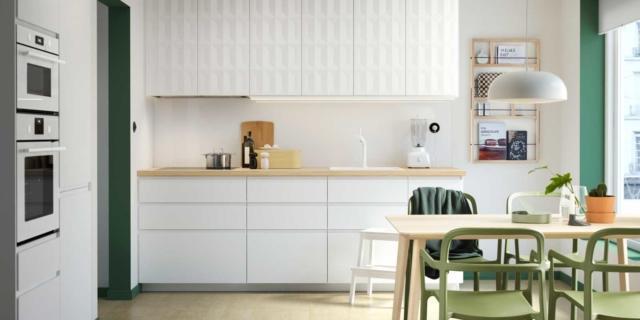 14 cucine con frigorifero incassato in una colonna