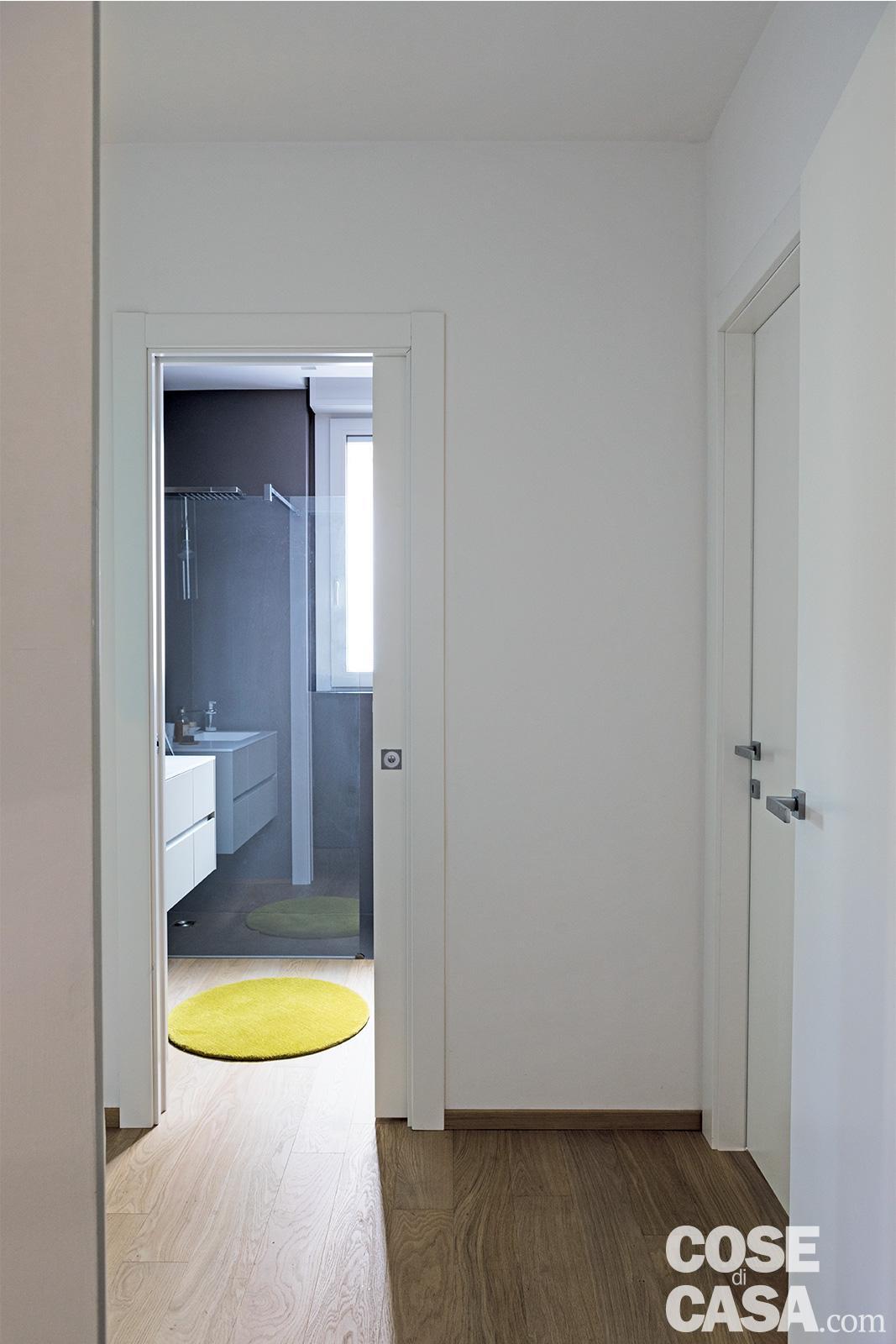 In 96 mq ricavare il secondo bagno e la cabina armadio cose di casa - Bagno e cabina armadio ...