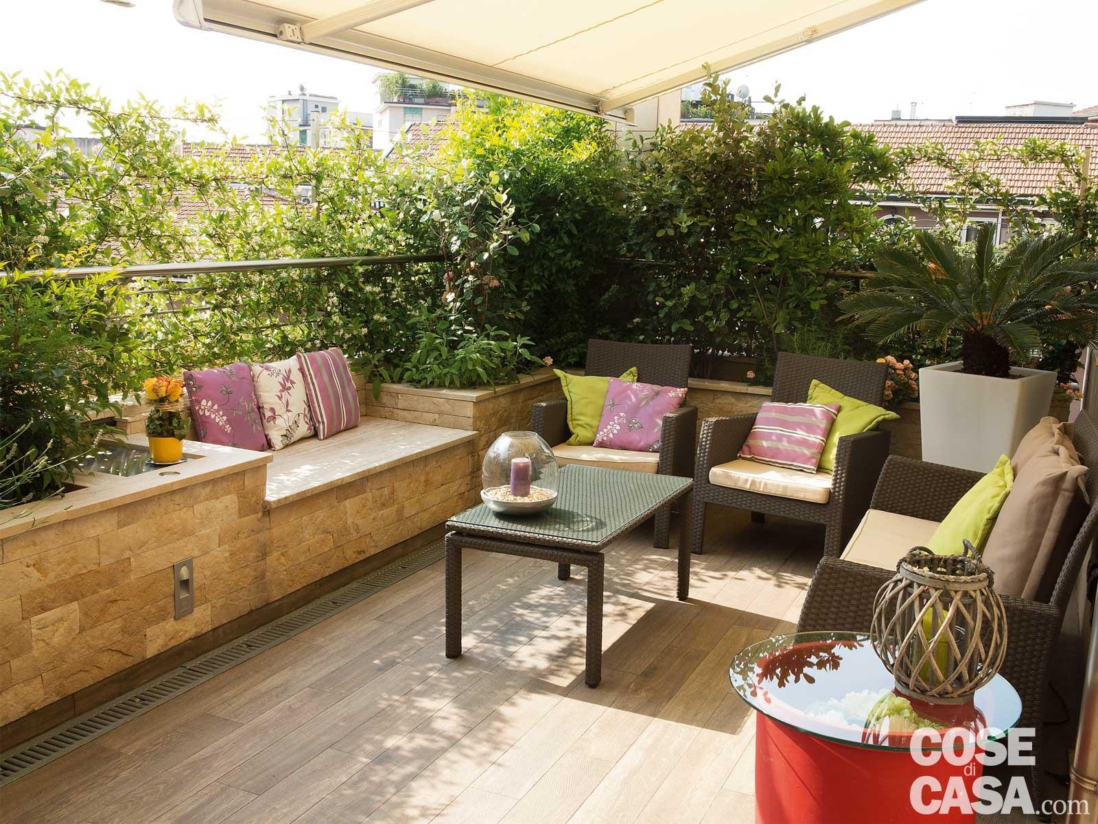 La terrazza diventa living arredare anche con le piante - Terrazzo giardino ...