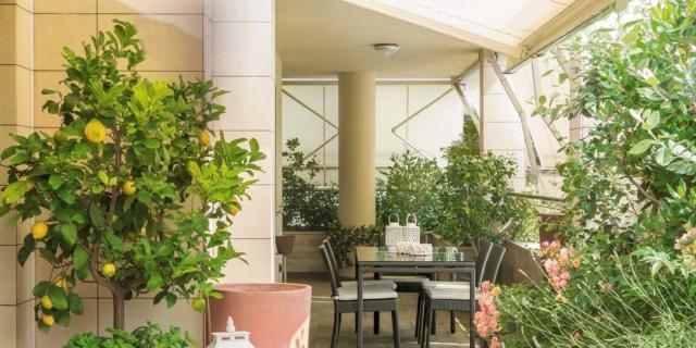 La terrazza diventa living: arredare anche con le piante