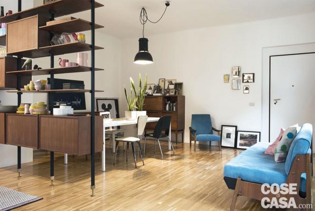 80 mq parquet industriale e stile vintage per gli arredi for Divano minimal