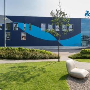 Finazzi Serramenti ha realizzato oltre 100 finestre in PVC con superficie VEKA SPECTRAL per la nuova sede di Eolo