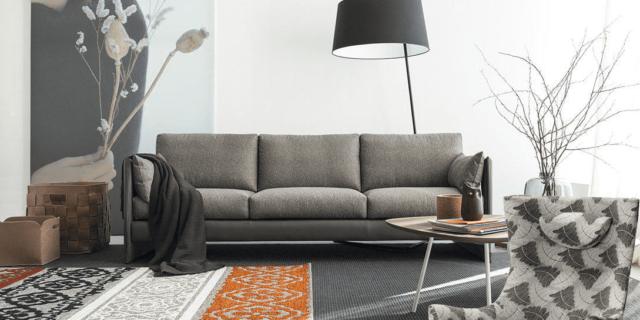 Divano e poltrona da abbinare per un soggiorno più comodo