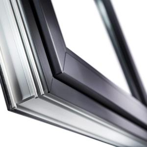 Viene voglia di toccare queste finestre in PVC dalla morbida superficie VEKA SPECTRAL