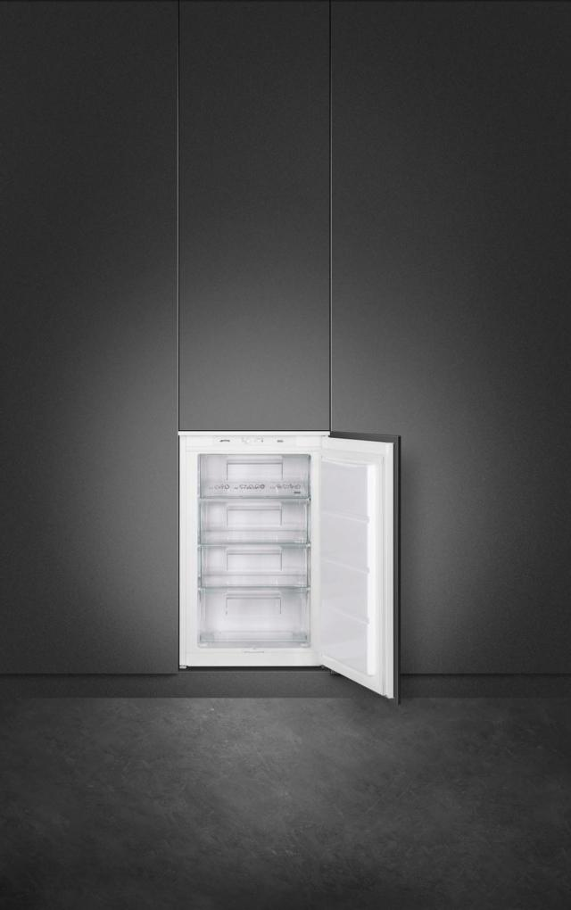 Congelatore verticale da incasso S3F0922P di Smeg
