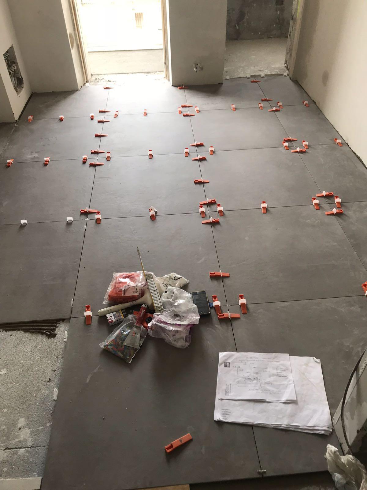 Raccordo tra pavimenti: un profilo tra piastrelle e parquet? - Cose ...