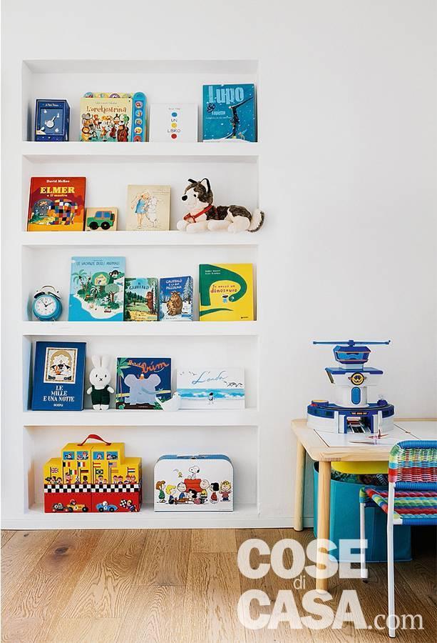 camera ragazzi, libreria a giorno in nicchia
