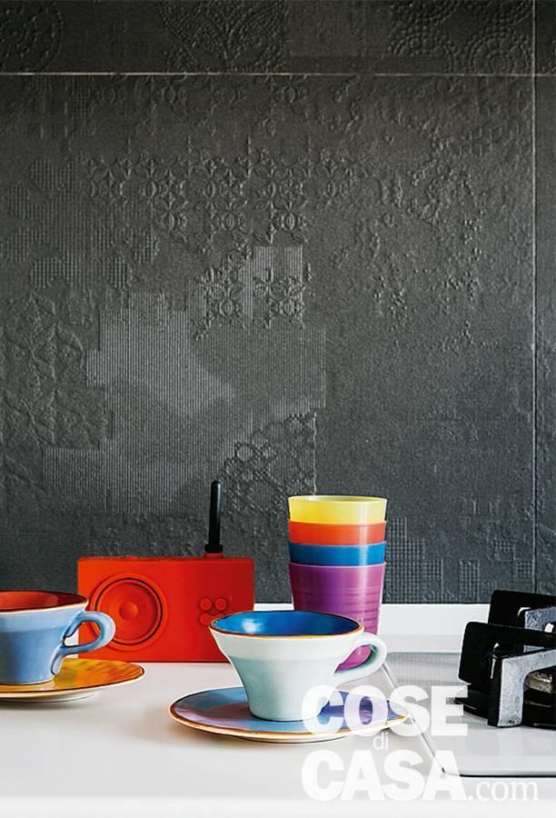 gres porcellanato con texture in rilievo