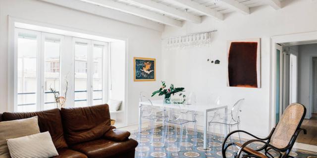 Recupero dei pavimenti nella casa con travi a vista