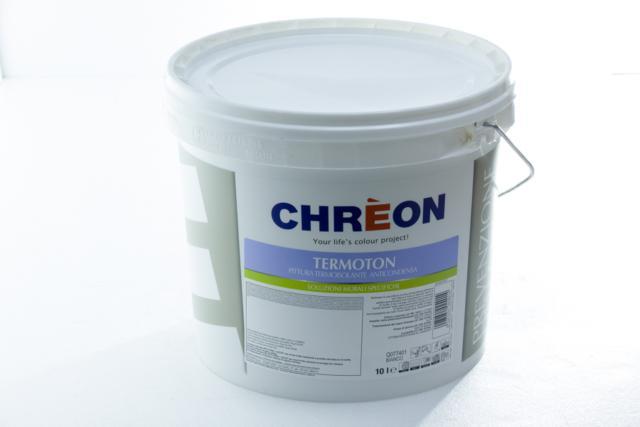 TERMOTON Q077401 è una pittura all'acqua bianca per interni, a base di resine acriliche in emulsione, contenente delle microparticelle cave che alleggeriscono il prodotto, diminuendo sensibilmente la dispersione termica del manufatto sul quale viene applicata. Per questo motivo TERMOTON Q077401, applicato su superfici soggette a fenomeni di condense, previene la formazione di muffe. L'aspetto è di una superficie porosa e calda al tatto e di opacità assoluta.