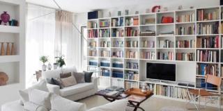 Una casa formato famiglia: nuovo layout per gli interni anni '70