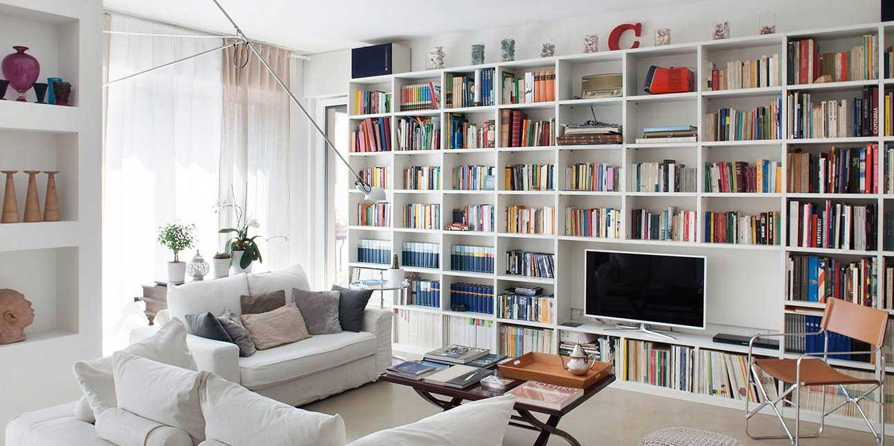 Una casa formato famiglia nuovo layout per gli interni for Case classiche interni