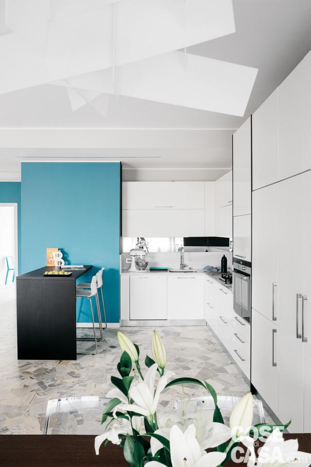 zona cucina nel living open della casa ampliata da 3 a 4 locali