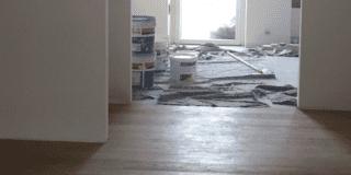 Raccordo tra pavimenti: un profilo tra piastrelle e parquet?