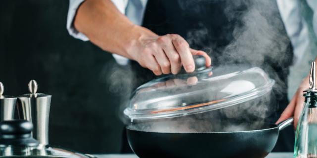 Come eliminare gli odori in casa con soluzioni al naturale