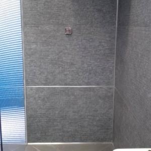 Sistema per piatto doccia filo pavimento Proshower System Central Kit di Progress Profiles  - dopo il rivestimento