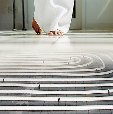 Serpentine a pavimento PushFitTherm e MeplaTherm di Geberit per il riscaldamento ad acqua
