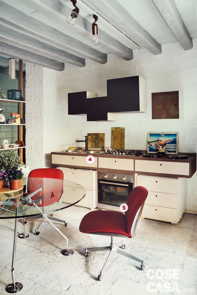 cucina di abitazione soggetta a recupero, ex Legnaia