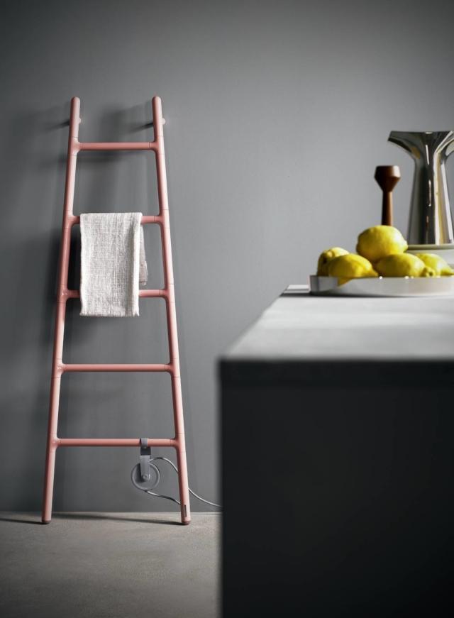 TermosifoneScaletta  Collezione Plug& Play, design Elisa Giovannoni di Tubes