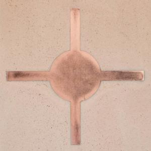 Dettaglio del decoro in rame Fuga del pavimento decorato in argilla di Matteo Brioni