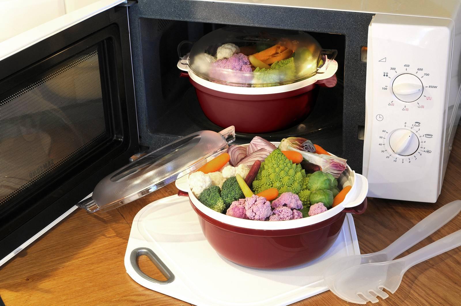 Contenitori per il microonde e coperchi cose di casa for Cose per cucinare 94