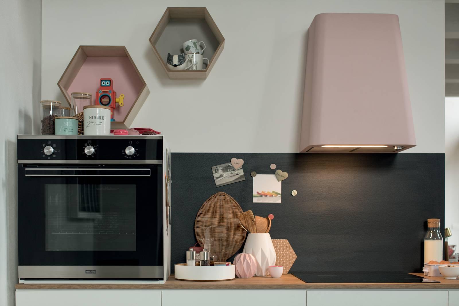 In cucina cappe di design, anche colorate - Cose di Casa