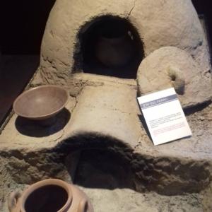 Museo della ceramica di Spezzano - Sezione storica: fornace verticale per la cottura dei manufatti in argilla. Periodo: età del ferro.