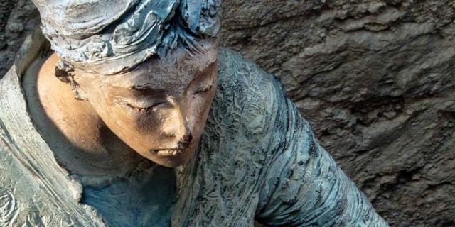 Natus. La scultura di Ugo Riva, la poesia di davide Rondoni