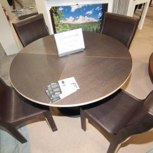 I tavoli robusti di LG Lesmo