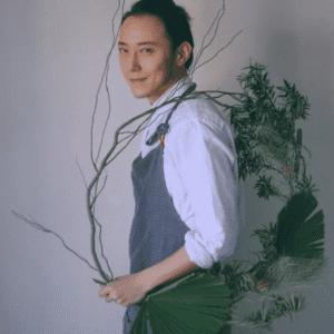 Una ghirlanda spettinata, nello stile del giovane Xu Fei