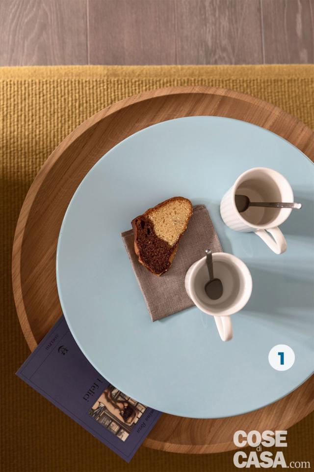 dettaglio, coffee table tondo con piano superiore girevole, tappeto