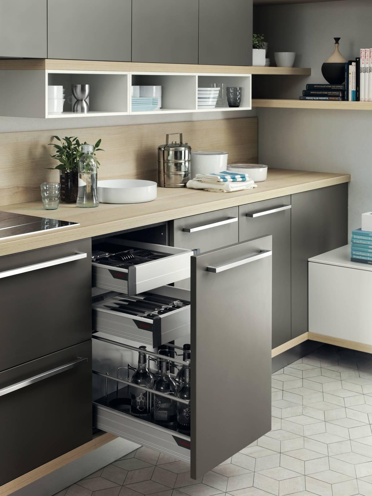 Cassetti, cassettoni, cestoni: la praticità in cucina - Cose di Casa
