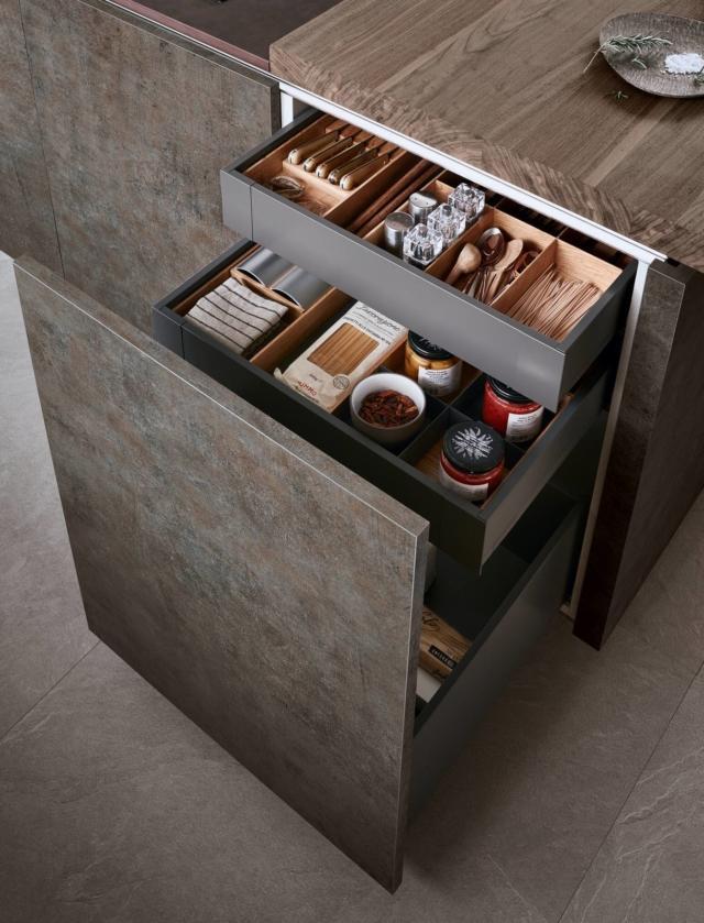 Cassetti cassettoni cestoni la praticit in cucina cose di casa - Ripiani interni cucina ...