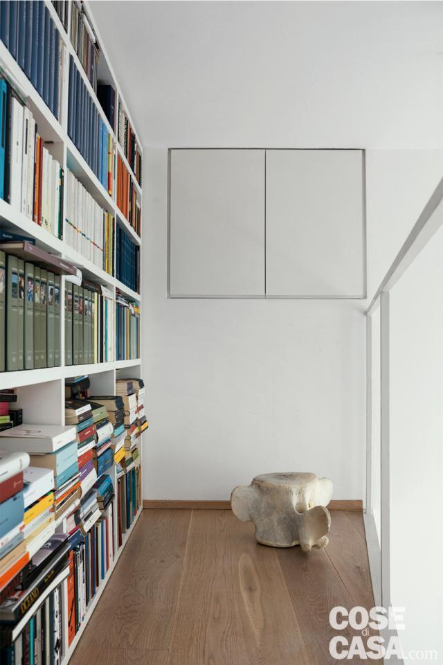 libreria e vano controsoffitto progetto per sfruttare l'altezza
