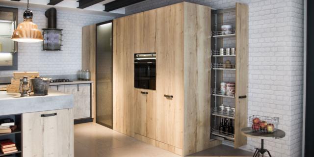 Carrelli estraibili per la cucina: comodità in primo piano