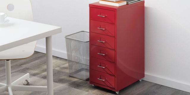 Cassettiera Per Scrivania Ikea.Cassettiere Con Rotelle Mini Capienti E Colorate Cose Di Casa