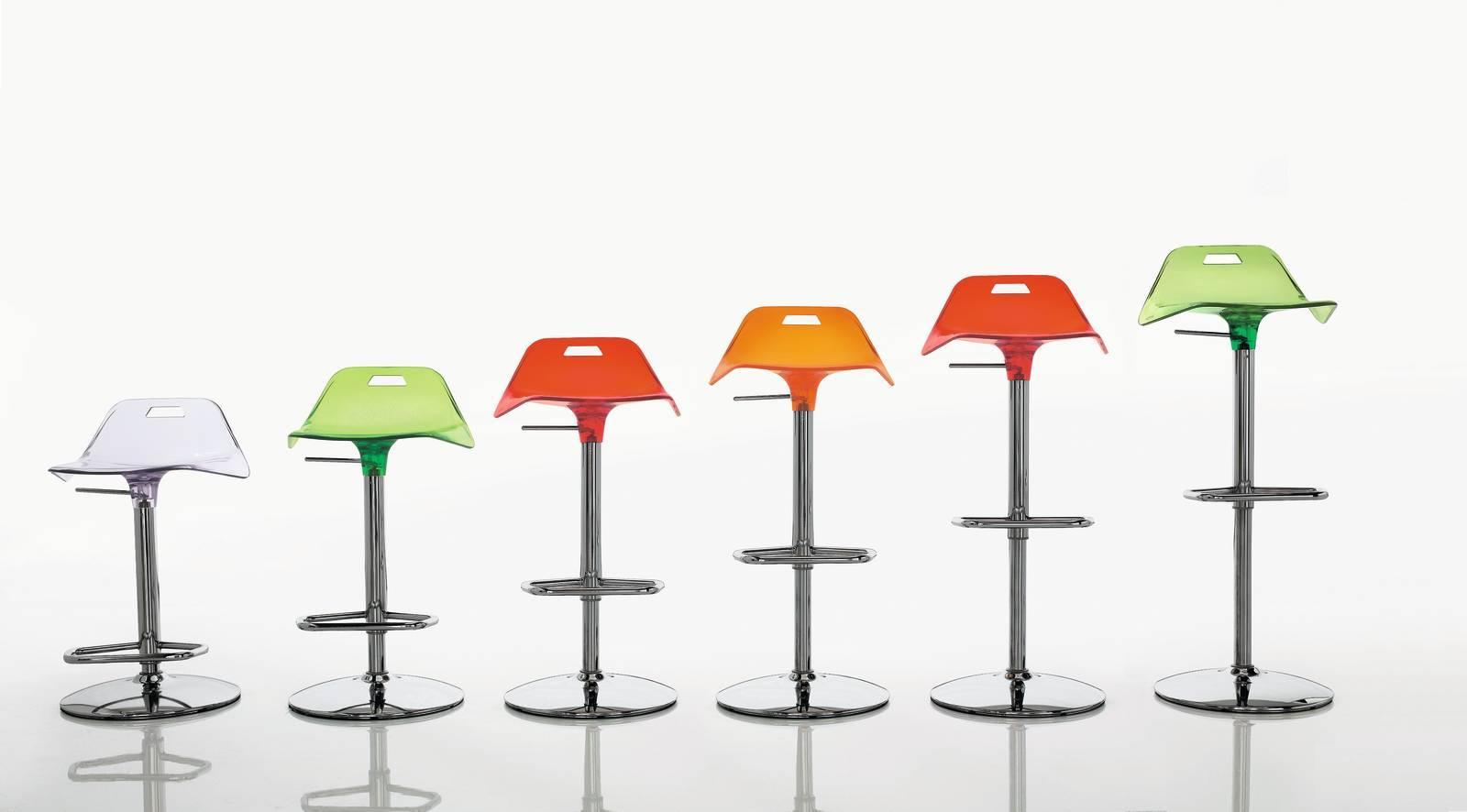 Sgabelli modelli di design tradizionali o colorati cose di casa