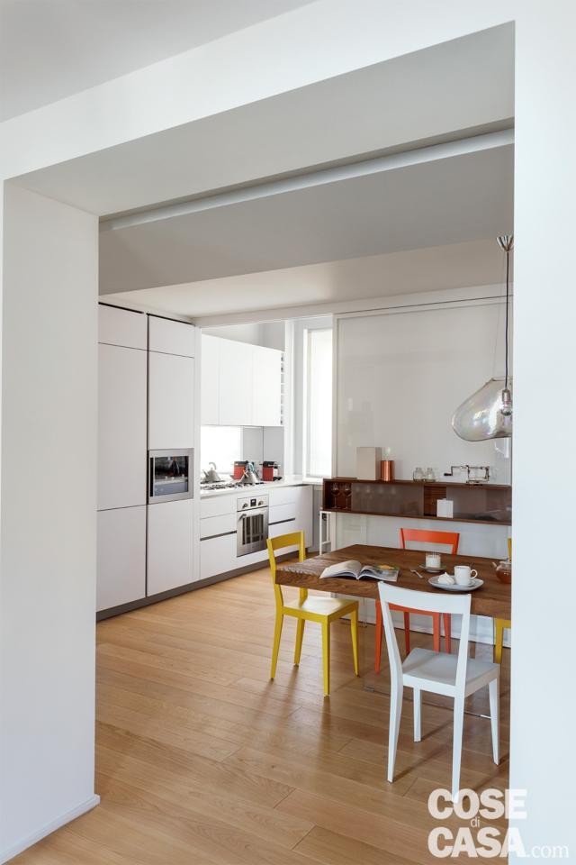 casa su due livelli pranzo e cucina