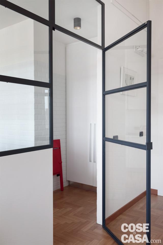 porta vetro della cucina nel box vetrato in 70 mq da bi a trilocale