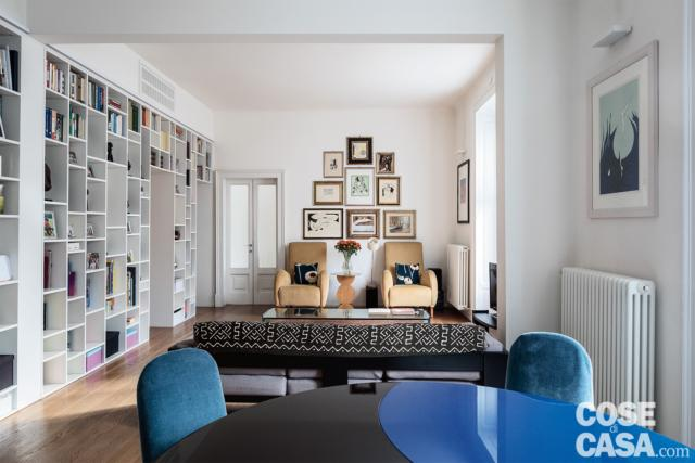 appartamento tradizionale, soggiorno, zona conversazione, libreria-parete, tavolo da pranzo