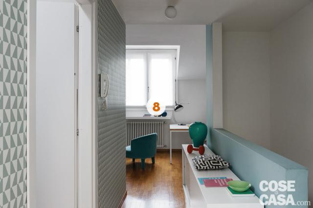 disimpegno, zona studio, finestra, rivestimenti a parete in carta da parati